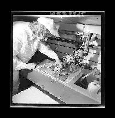 Montage der Epitaxie-Planar-Diode, Bild 7, Foto 1973