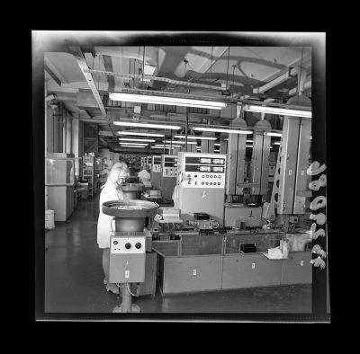 Produktionshalle der Abteilung Diode, Foto 1973